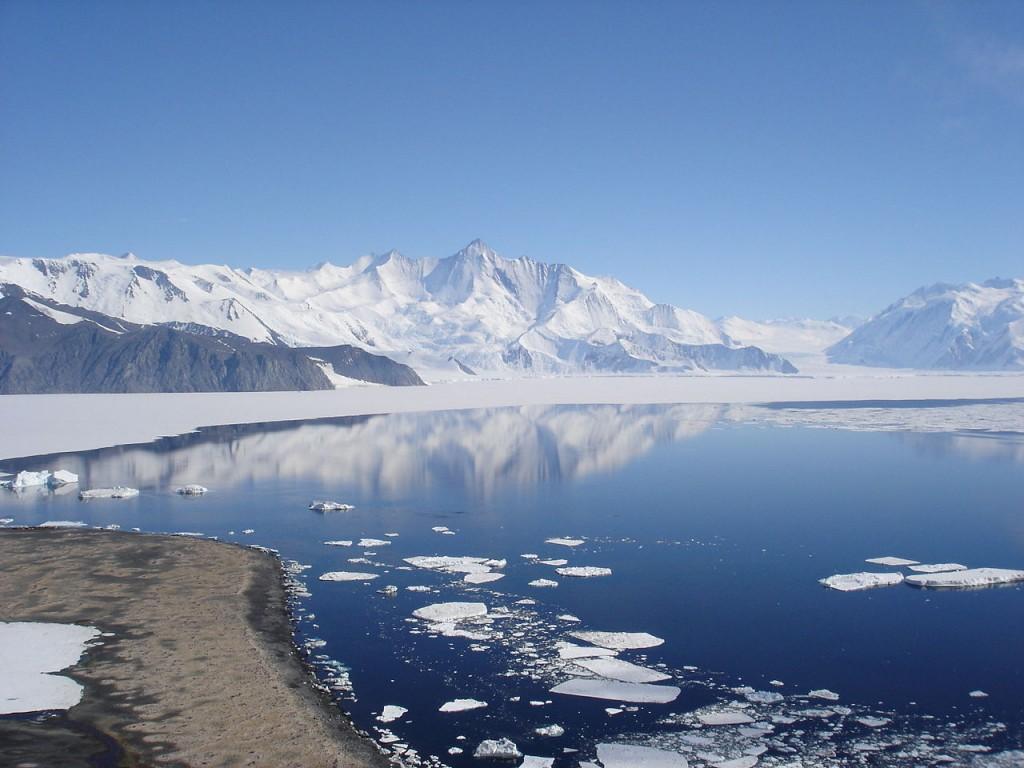 Antarctica_Mt Herschel Andrew Mandemaker